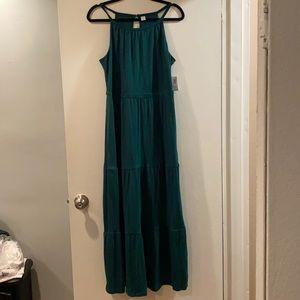 🧞♂️NWT Tiered Maxi Dress